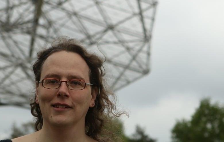 Research: Even phenomenally dense neutron stars fall like a feather