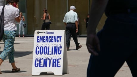 heat wave toronto cooling centres