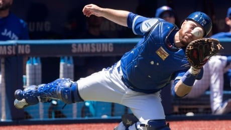 Blue Jays fall to Yankees in extras to close out homestand