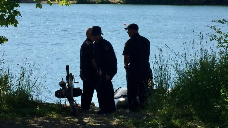 Divers recover body of man who drowned at Chocolate Lake in