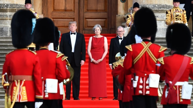 Trump scuppers trade deal with UK under May's Brexit