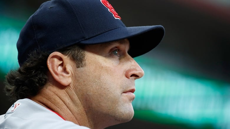 Cardinals make big change, fire manager Mike Matheny