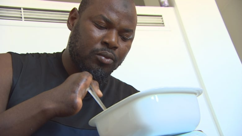 On the menu for asylum seekers — meals that meet religious needs