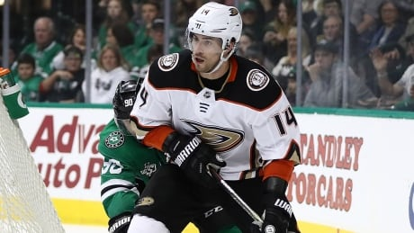 Ducks commit to centre Adam Henrique for 5 years