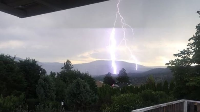 Severe thunderstorm warnings in effect for much of B.C. southern Interior