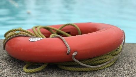STOCK LIFEGUARD FLOATATION DEVICE RING POOL SAFETY