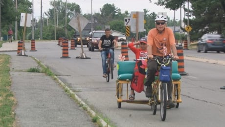 pop-up bike lane moodie drive bells corners cyclists ottawa