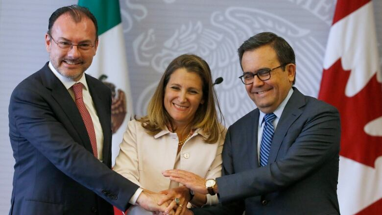 Mexico And Canada Insist On Nafta As A 3 Way Deal Cbc News