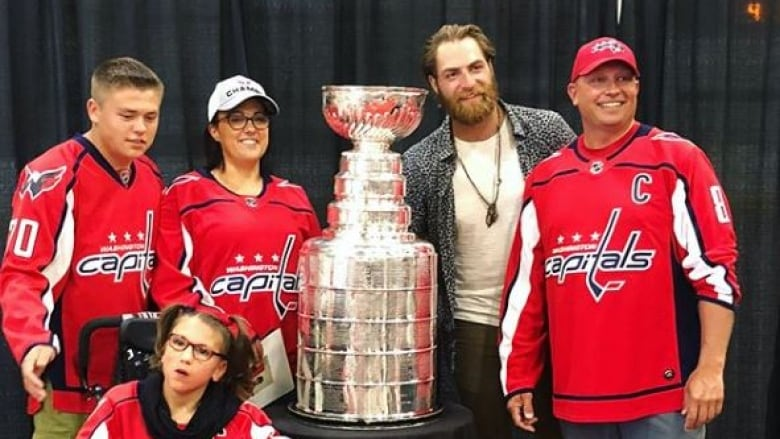 Once In A Lifetime Lashburn Sask Celebrates Braden Holtby S Stanley Cup Visit Cbc News