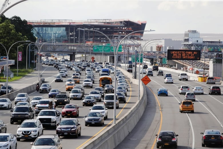 Trump administration to freeze fuel efficiency requirements