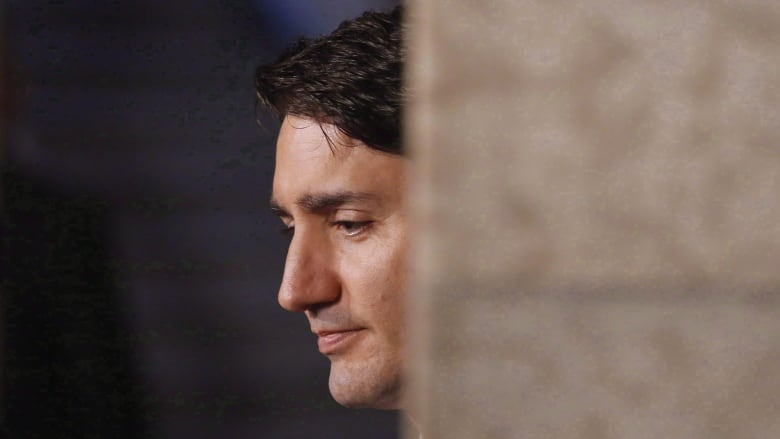 justin trudeau is losing the argument on border crossings poll