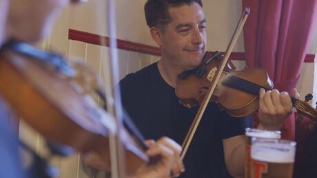 Documentary follows Cape Breton fiddler to Scotland thumbnail