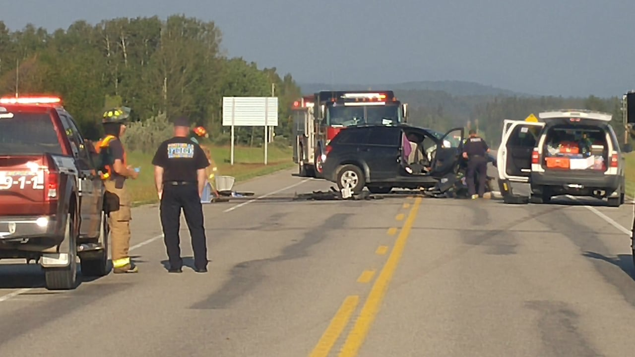 Head-on crash kills 3 southwest of Calgary | CBC News