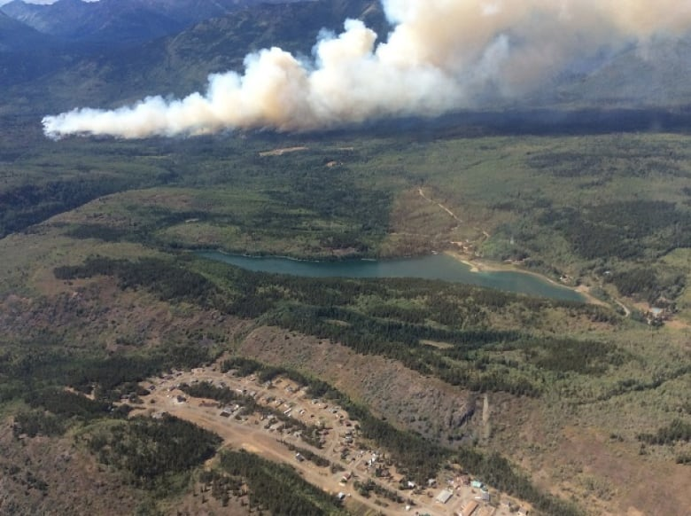 The Wave Nanaimo >> B.C. Wildfires 2018: Huge Alkali Lake and South Stikine blazes on course to merge | CBC News