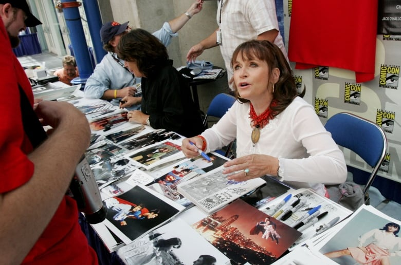 Kidder signs autographs at Comic Con in San Diego Calif. in July 2005
