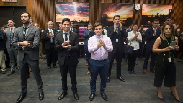 'Unprecedented': Staffers drown out reporters by clapping at Doug Ford news conference  | CBC Radio