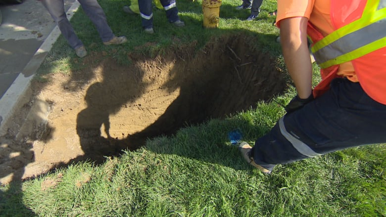 Homeowners demand answers from city after 2nd basement flood in 5