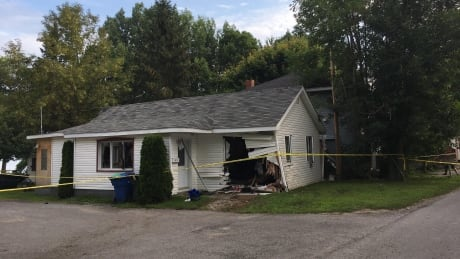 Car crashes through house, into another on Montreal's South Shore | CBC