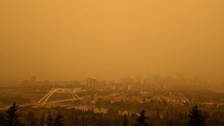 Eerie wildfire haze continues to cloak Edmonton