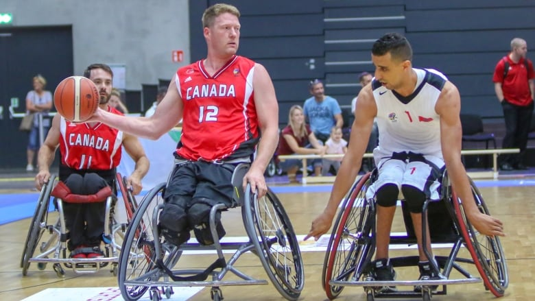 Patrick Anderson guides Canada to opening