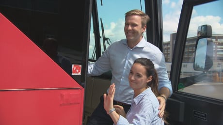 N.B. Liberals board campaign bus days before official campaign period begins