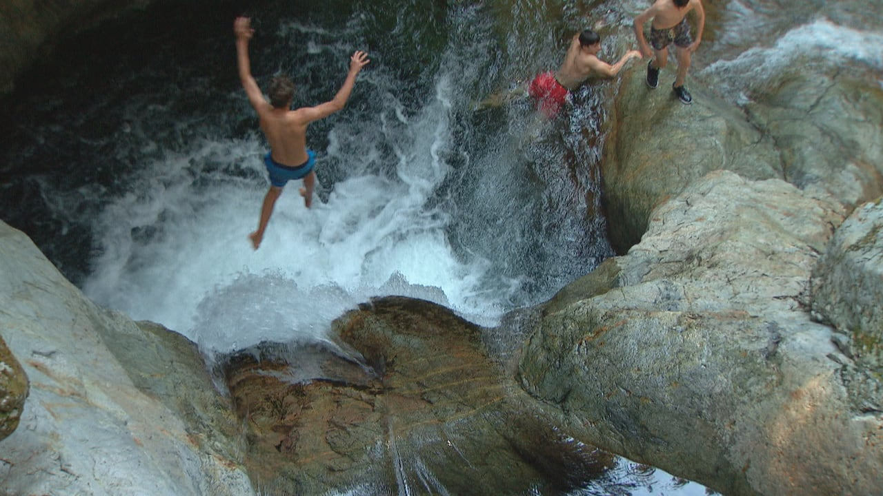 Social media boosting rise in risky cliff-jumping at Lynn Canyon