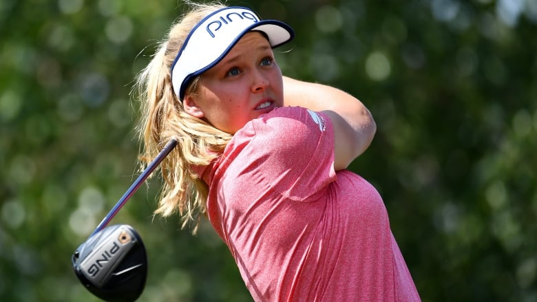 Brooke Henderson leads CP Women's Open by 1 stroke