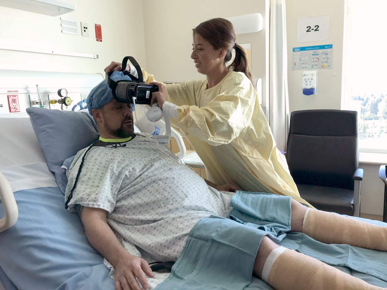 f7758b8f88de Calgary hospital 1st in Canada to help patients escape wound pain with  virtual reality