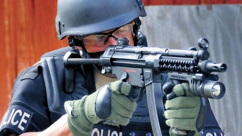 police seize submachine gun over 2k in meth from neepawa man cbc