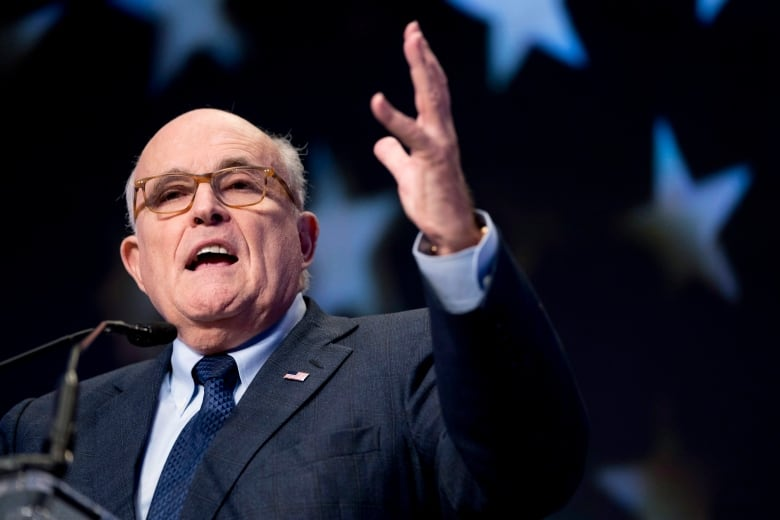 Trump Won't Consider Mueller's Obstruction Questions Until Later, Giuliani Says