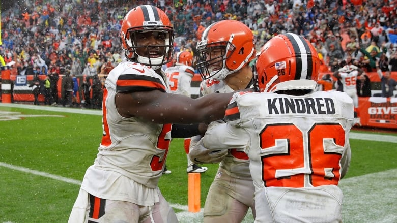 78904b3ef The Cleveland Browns ended its 17-game losing streak on Sunday with a 21-21  tie against the Pittsburgh Steelers. (Joe Robbins Getty Images)