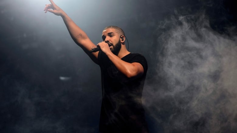 Drake slammed for kissing, touching 17-year-old in resurfaced video
