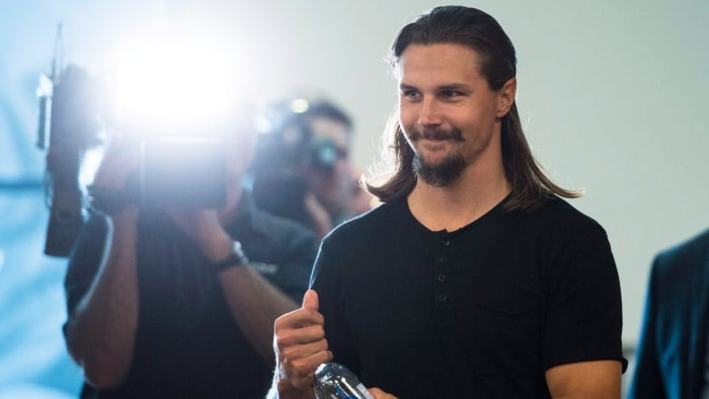 save off f360d 0cec6 Sharks excitedly await Karlsson's arrival as training camp ...