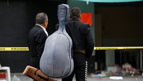 Gunmen dressed as mariachi musicians kill 4 in Mexico City
