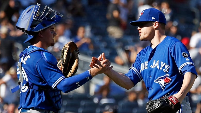 874e893fbda Blue Jays send Yankees stumbling into showdown with Red Sox