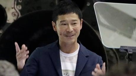 japanese billionaire yusaku maezawa will take spacex rocket around the moon