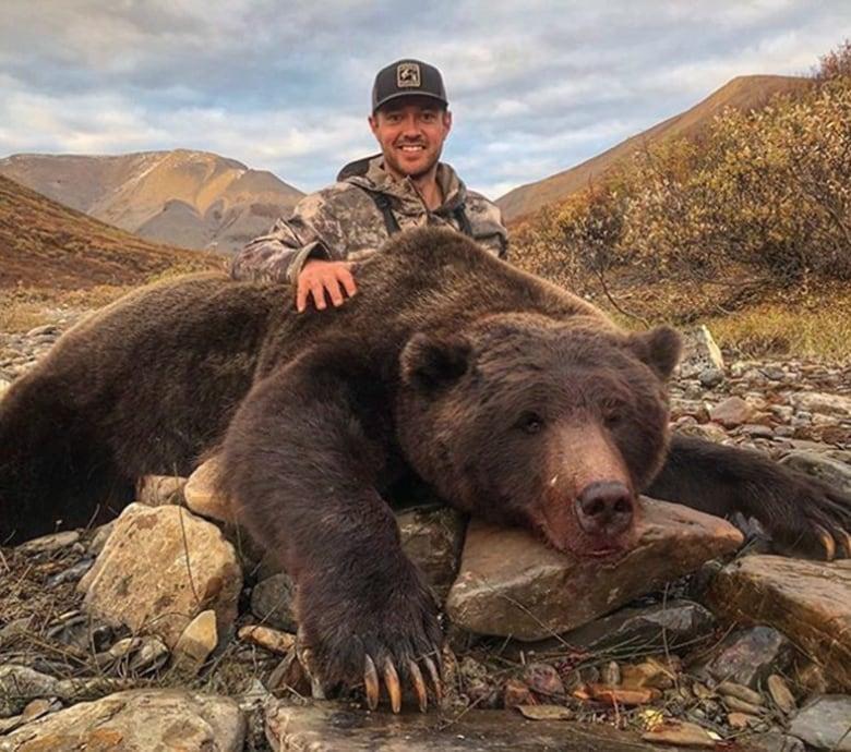Lovački trofeji Yukon-grizzly-hunt-20180917