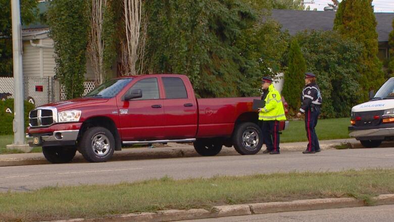 Pedestrian, 23, dies after being hit by truck in northeast Edmonton