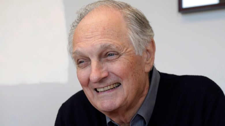 how alan alda went from tv doctor to teaching real doctors about