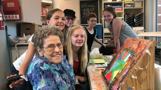 Sixth-graders in a nursing home — an unlikely but 'life-changing' school year | CBC Radio