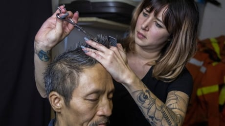 Barber fights to build compassion for DTES residents, 1 free haircut at a time