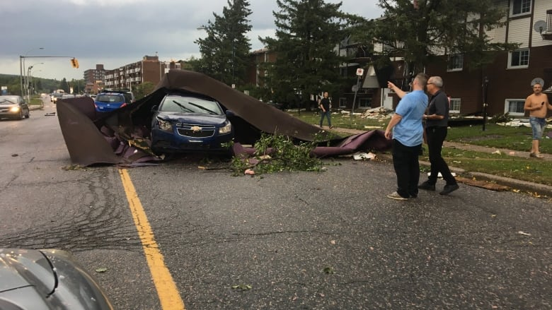 Thousands Of Homes Lose Power Amid High Winds Thunderstorms In Quebec Cbc News
