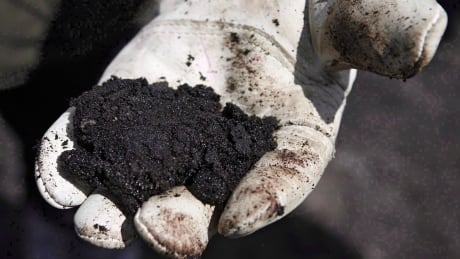 U.S. oil company to sell oilsands assets and leave Canada