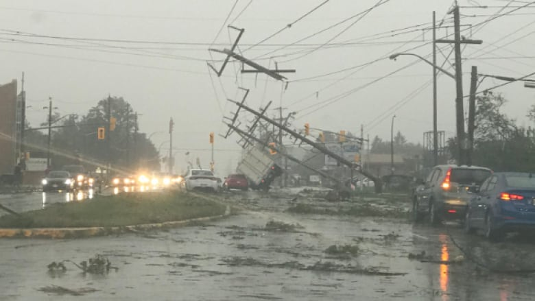 Likely 'days' before power fully restored after tornado Greenbank-road-ottawa-sept-21-2018