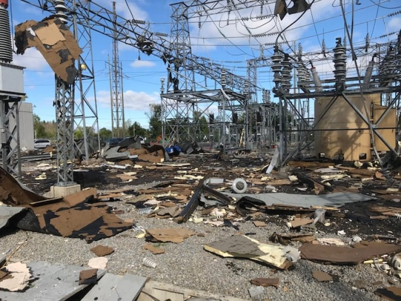We Ve Pretty Much Lost Everything Homes Destroyed As Ottawa Gatineau Tornadoes Cause Mass Outages Cbc News