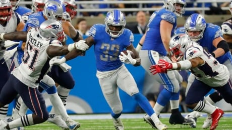 Patriots look vulnerable in loss to Lions on Sunday night