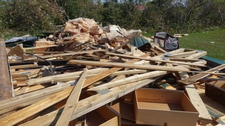 Pontiac, Que., short on resources to clean up after tornado