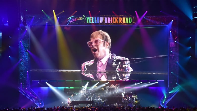 Elton John adds 25 North American shows to farewell tour