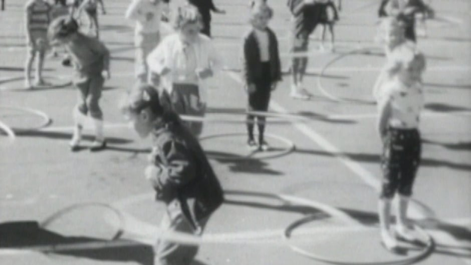From 60 years ago: The hula hoop comes to Canada | CBC Archives