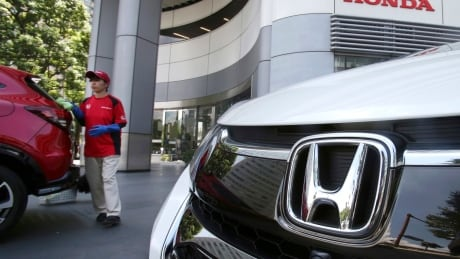 Honda recalls 1.4 million more cars to replace airbag inflators thumbnail